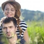 初デートで女性からのスキンシップで彼との距離を縮める3つの方法